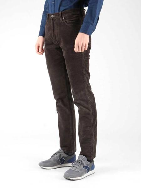 Spodnie sztruksowe Wrangler Dark Teak W12OB9135